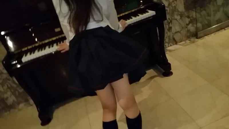 FC2 PPV 1156924 【個撮】私立普通科②隠れ巨乳・ピアノを弾いてるところを後ろからハメる