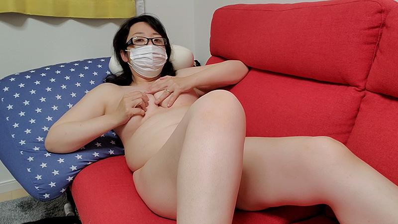 ❤愛華の個人撮影❤昼間からソファーで足をひろげオマンコ濡らしてオナニーする人妻